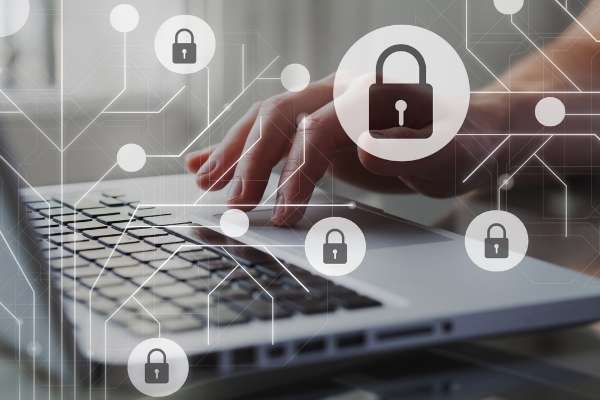 Zurich recomienda extremar la ciberseguridad durante el Black Friday